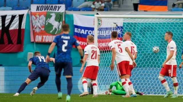 شکست لهستان برابر اسلواکی