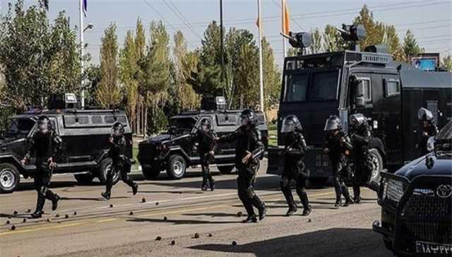 اعتراضات خوزستان/ حضور ماشین آبپاش در سطح خیابان