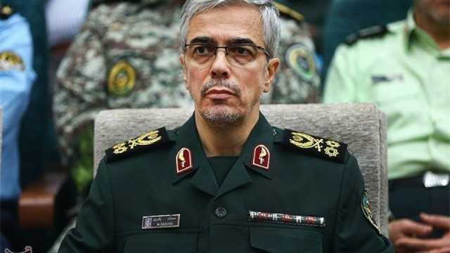 سرلشکر باقری در بازدید از جزیره بوموسی: ایران حضور نظامیِ قدرتمند و قاطعی در منطقه دارد
