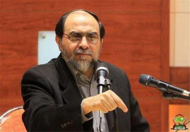حملات تند رحیمپور ازغدی به روحانی و احمدی نژاد: یکی میخواهد با آنجلیناجولی مشکلات جهان را حل کند و دیگری در انتظار جو بایدن است