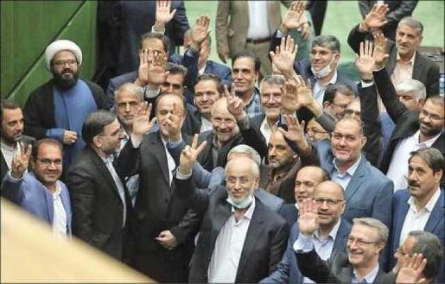 مجلس یازدهم بخشی از وقت خودش را صرف چالش با دولت روحانی کرد/ حالا هم کاری نمی کند