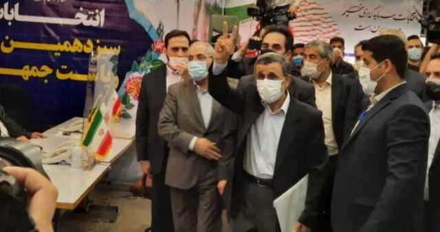 ۸ نکته در مورد ثبت نام احمدی نژاد در انتخابات ریاست جمهوری