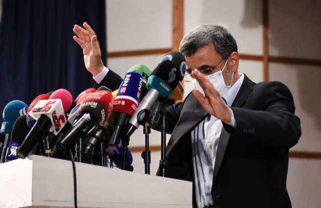 احمدی نژاد تمام شده است/ او به دنبال ایجاد دو قطبی با حاکمیت است