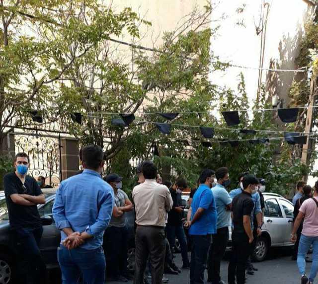 تجمع هواداران استقلال اینبار مقابل فدراسیون فوتبال