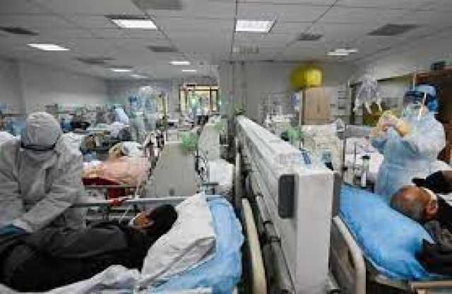 وضعیت نگرانکننده انبوه بیماران در اهواز/ بستری موقت بیماران به دلیل نبود تخت/ مراجعه دیرهنگام به بیمارستان، یکی از دلایل فوت