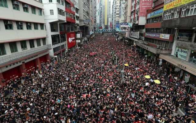 بـازی مرگ و زنـدگی در هنگکنگ؛ انقلاب یا اشغال نظامی؟
