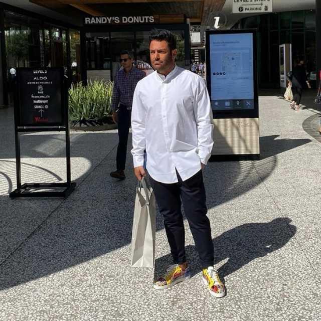 تیپ خاص محمدرضا گلزار در لسآنجلس