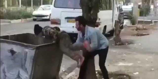 پرتاب کودک به سطل زباله؛ شوک یک قهقهه