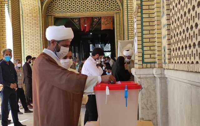 امام جمعه بم: همه ما در قبال نظام اسلامی و خون شهداء مسئول هستیم
