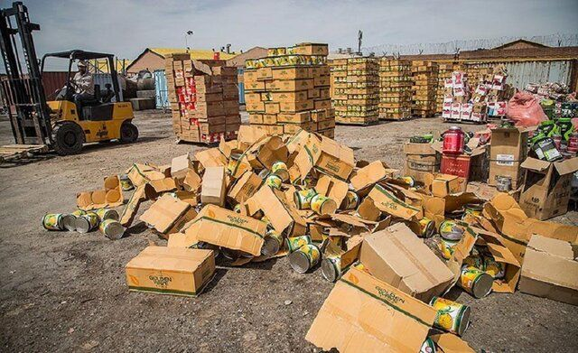 محموله بزرگ قاچاق کالا به ارزش ۲۵ میلیارد ریال در گمرک بازرگان کشف شد