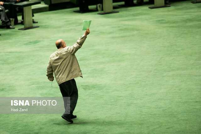 قاضیپور: هیئت رئیسه استیضاح وزیر کشاورزی را اعلام وصول کند