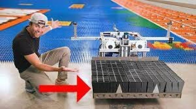 ساخت ربات رکوردشکن 'دومینو چین' توسط مهندس سابق ناسا