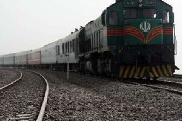 قطار زاهدان - کرمان از ریل خارج شد/مسافران در سلامت کامل هستند