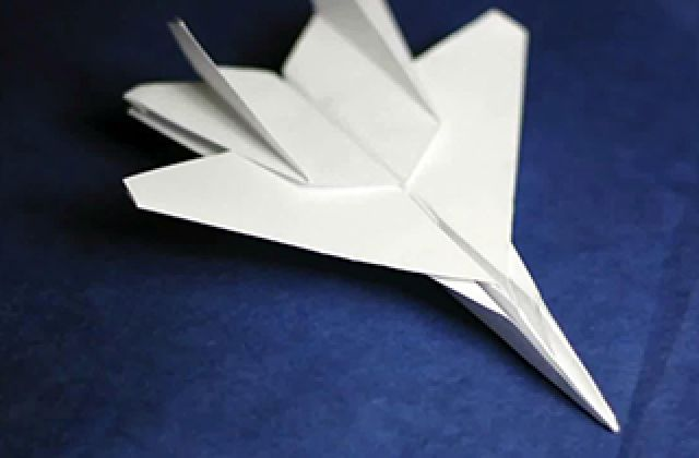موشک مدرن کاغذی با قابلیت هدایت از راه دور + فیلم