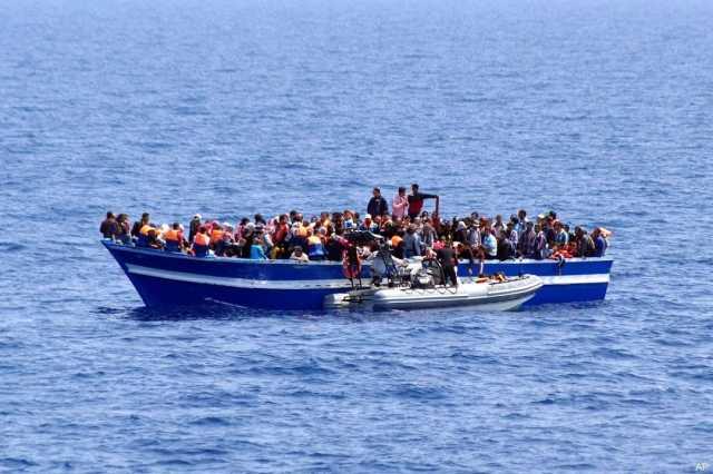 نجات حدود ۱۰۰ مهاجر در آبهای ساحلی غرب لیبی