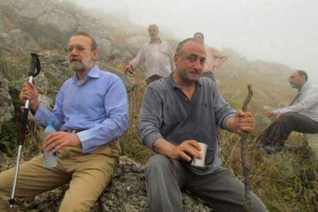عکسی از علی لاریجانی در حال کوهنوردی