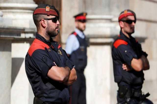 دادگاه اسپانیا حکم بازداشت ۳ مقام کاتالونیا را به جریان انداخت