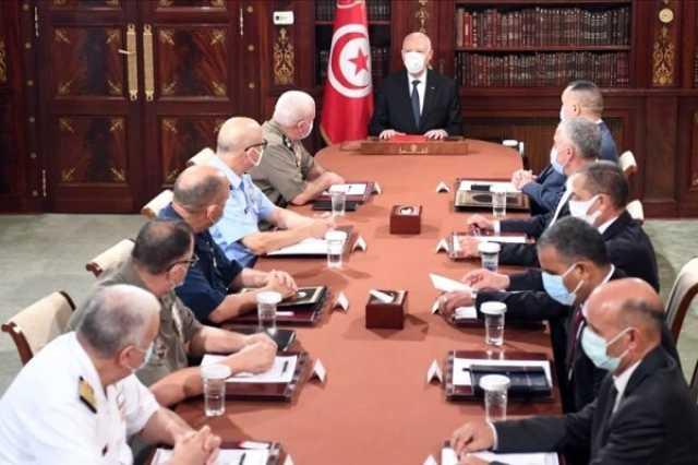 ۲۴ تن از مقامات دولتی تونس از سمت خود برکنار شدند