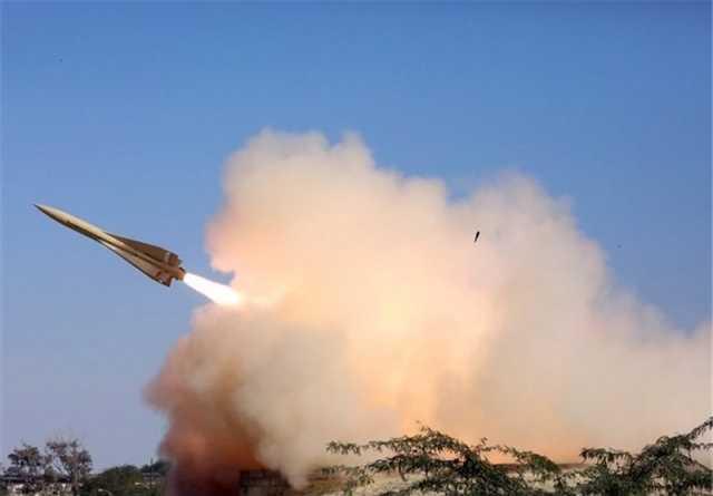 پدافند هوایی ارتش یک پهپاد ناشناس را در ماهشهر مورد اصابت قرار داد