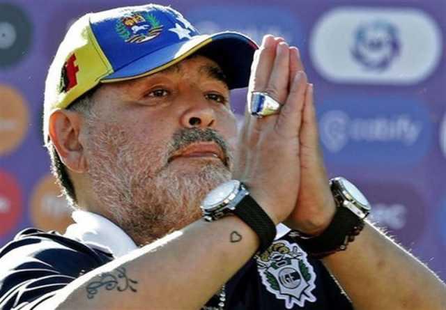 مارادونا از خیمناسیا جدا شد