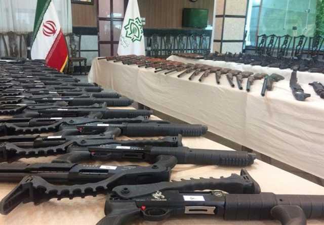 انهدام باند قاچاق سلاح و مهمات در اهواز / کشف ۴۰ قبضه سلاح شکاری غیرمجاز از متهمان
