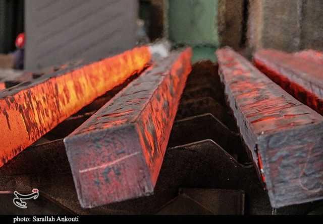 احداث کارخانه فولاد در بادرود/دلیل استقرار صنایع آببر در منطقه بیآب چیست؟