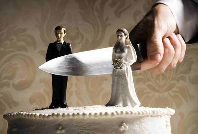 ازدواجهای دوم و سوم بیشتر در معرض طلاق هستند/ ازدواج بعد از 25 سالگی میزان طلاق را تا 24 درصد کاهش میدهد/ عوامل پنهان طلاق را بشناسید