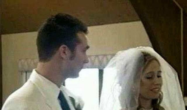 غش کردن عروسی وسط مراسم! + عکس