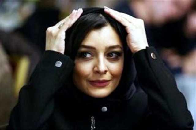 ساره بیات در استادیوم فوتبال +عکس