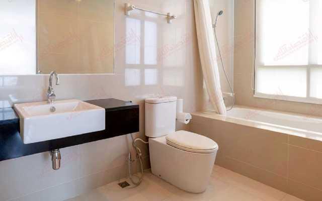 تمیز کردن این قسمت از توالت را فراموش نکنید!