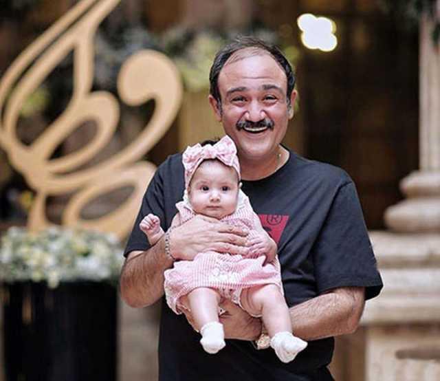مهران غفوریان بر سر مزار پدرش + عکس