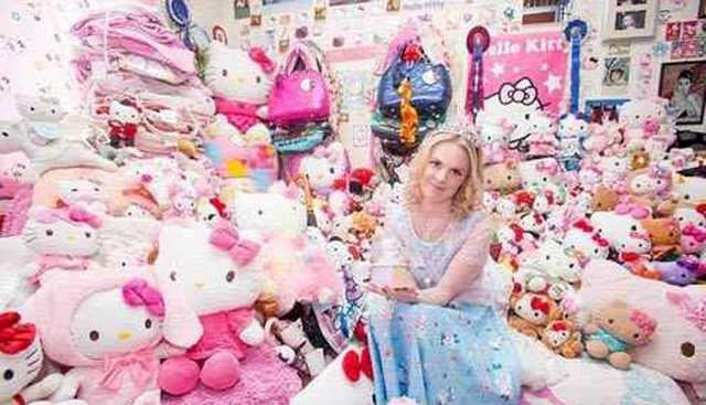 عروسکهای این دختر مانع ازدواجش شدند!+ عکس