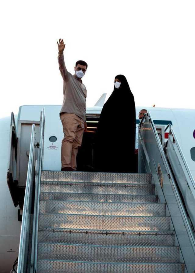 سفر انتخاباتی قاضى زاده هاشمى به همراه همسرش+عکس